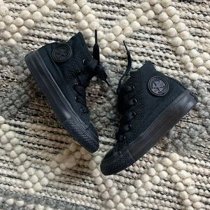 CONVERSE HIGH TOPS TODDLER SIZE 5